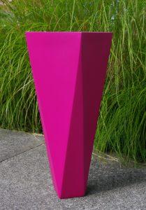 MAGENTA - Twisted Vase III